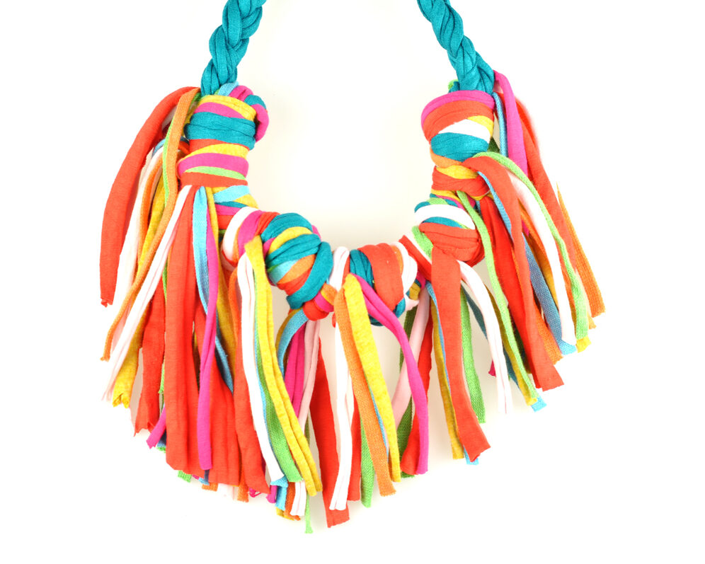 Collar handmade textil flecos azul bondi multicolor largos nudo doble frontal 2