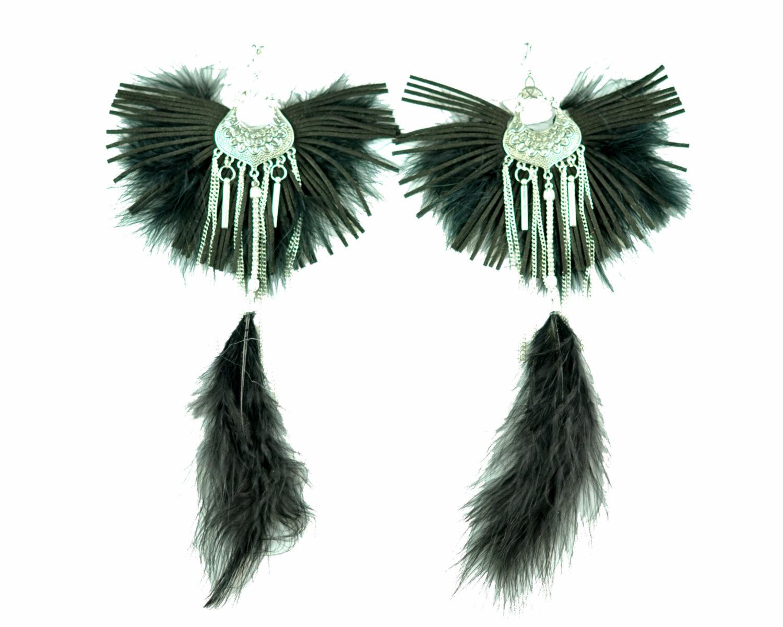 Maxi argolla negro flecos plumas cadena filigrana metal plateado scaled