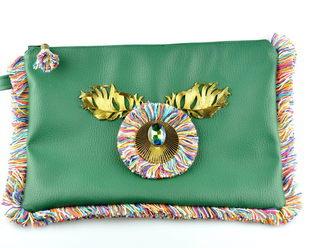 bolso clutch handmade artesano flecos multicolor roseton dorado cristal color polipiel verde frontal