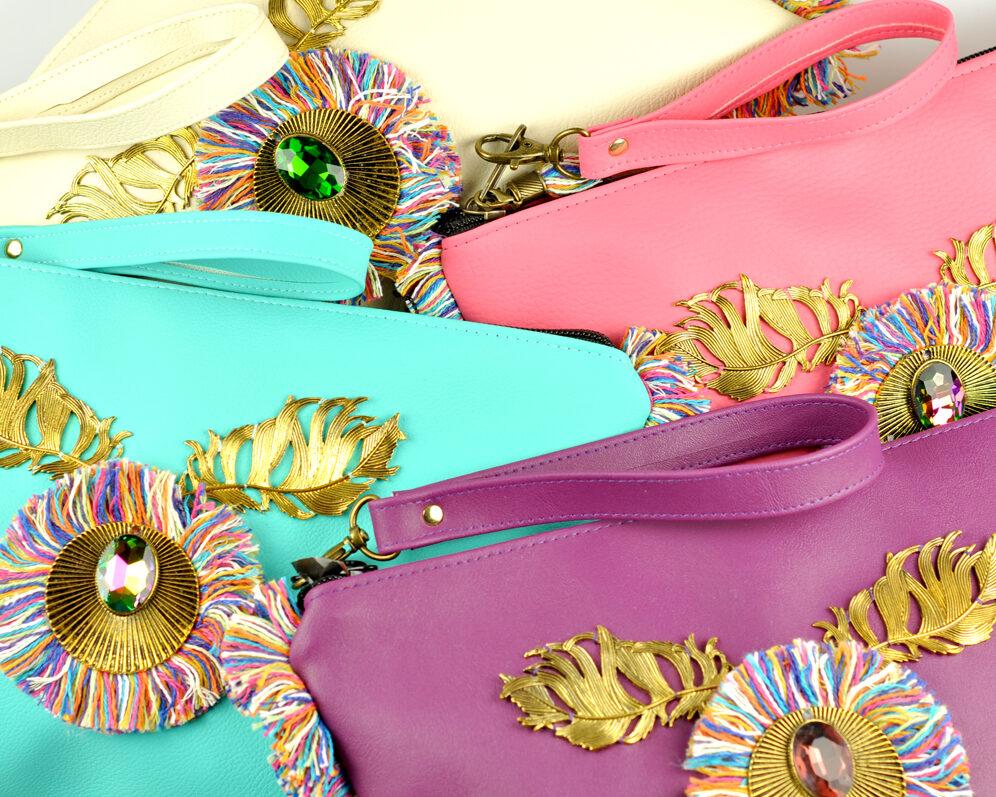 bolso clutch handmade artesano flecos multicolor roseton dorado cristal polipiel TETRA