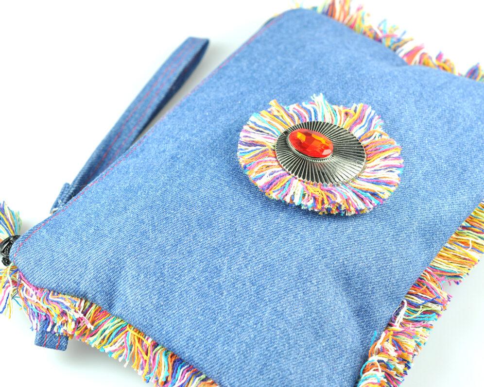 bolso clutch handmade artesano flecos multicolor roseton plateado cristal color vaquero denim diagonal asa