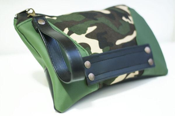 clutch camuflaje lados verdes cuero negro remaches front art 2 1