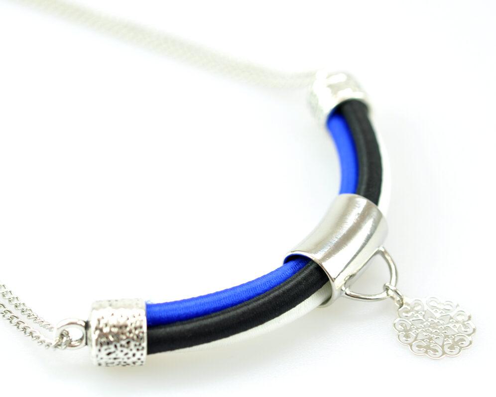 collar handmade cadena plateado cilindro filigrana tubo corto semicirculo hilo seda negro azul blanco detalle 1