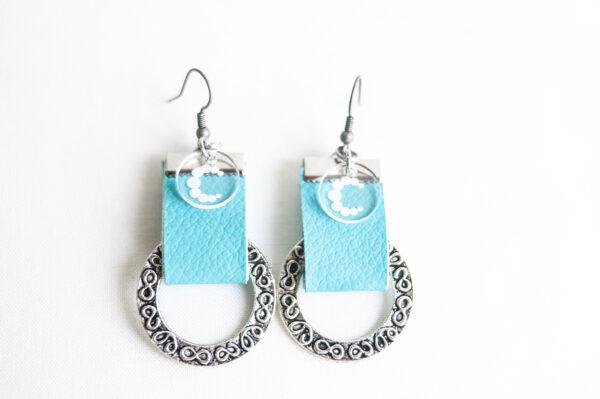pendiente gancho plata piel azul turquesa metal argolla labrada 01