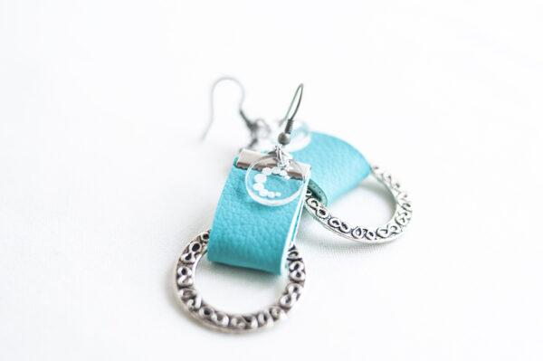 pendiente gancho plata piel azul turquesa metal argolla labrada 04