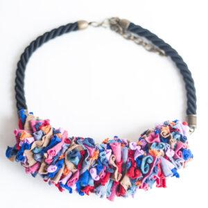 collar trapillo cordon negro multicolor 00