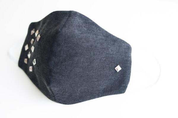 cubre mascarilla tela vaquera negro tachuelas cuadradas plata elastico blanco 02