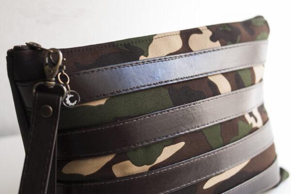 clutch camuflaje marron tiras piel sintetica verde negro asa 01