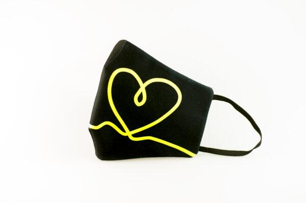 mascarilla corazon amarillo fluor picrisoriginal base negra elastico filtro tnt 00