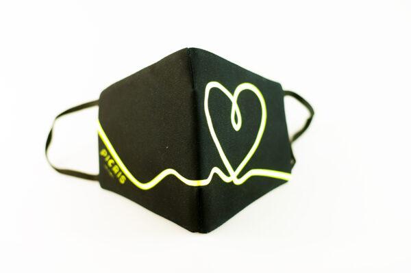 mascarilla corazon amarillo fluor picrisoriginal base negra elastico filtro tnt 02