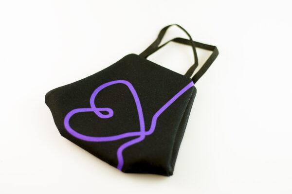 mascarilla corazon morado picrisoriginal base negra elastico filtro tnt 03