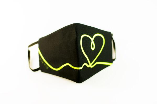 mascarilla corazon verde fluor picrisoriginal base negra elastico filtro tnt 03