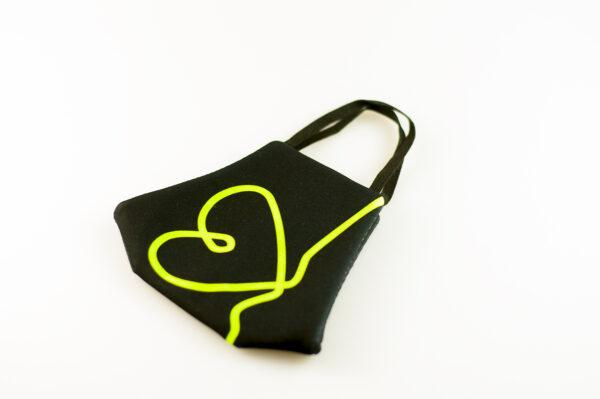 mascarilla corazon verde fluor picrisoriginal base negra elastico filtro tnt 04