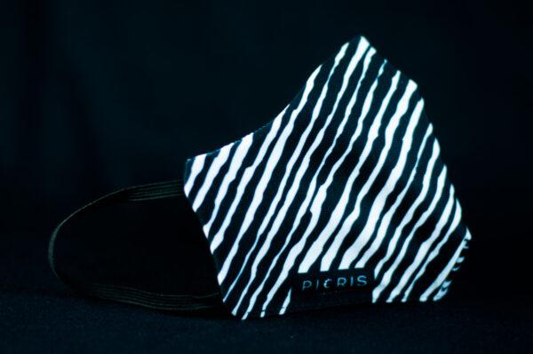mascarilla higienica reutilizable blanco negro cebra manchas 01