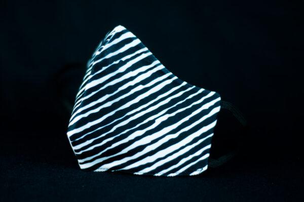 mascarilla higienica reutilizable blanco negro cebra manchas 04