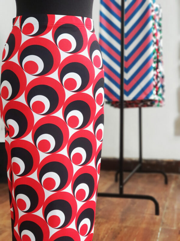 falda midi picris frais rojo negro blanco circulos retro 01